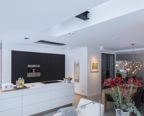 Keukens, lichte keuken, moderne keuken, strakke keuken, kookblok, sfeer, inrichting, woning, design