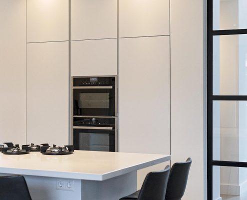 combi-oven, oven, eten, keukenblok, wit, strak, modern, landelijk, licht, zwart, keukendesign, NEFF